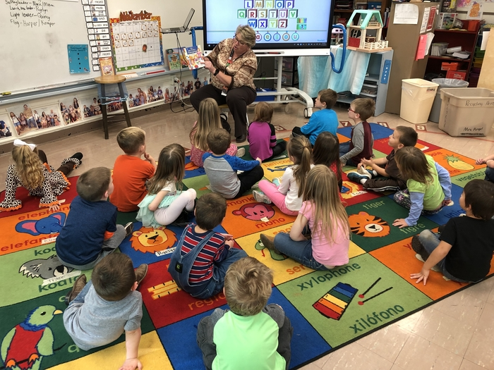 Mrs. Trimble read a Thanksgiving book!!